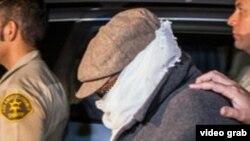 Марк Бассели Юсеф, отправляющийся на допрос. Лос-Анджелес, 18 сентября 2012 года.