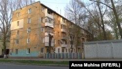 Пятиэтажка, где Марина снимает жилье, признана аварийной