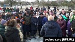 Жыхары Якімавай Слабады супраць забруджваньня паветра заводам сульфатнай беленай цэлюлёзы