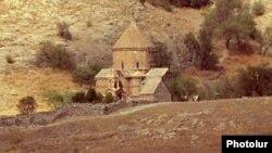 Церковь Сурб Хач на острове Ахтамар