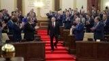 Сложивший с себя полномочия президента Нурсултан Назарбаев на церемонии присяги вступающего в должность президента бывшего спикера сената Касым-Жомарта Токаева. Астана, 20 марта 2019 года.