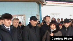 Top managers of KazMunaiGaz meet with striking workers in Zhanaozen.