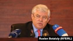 Вице-спикер мажилиса парламента Казахстана Владимир Божко в бытность заместителем министра внутренних дел.