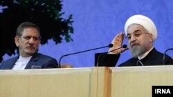 اسحاق جهانگیری میگوید دولت حسن روحانی با نرخ ارز بازی نمیکند