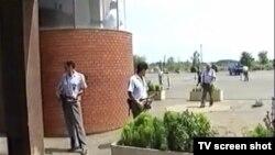 Naoružani stražari u Omarskoj 1992.godine, snimka prikazana u sudnici