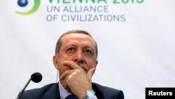 اردوغان در کنفرانسی که در وین درباره صهیونیسم سخن گفت.