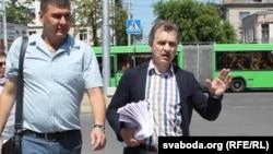 Анатоль Лябедзька і кіраўнік Берасьцейскай арганізацыі АГП Уладзімер Вуек
