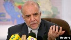 بیژن نامدار زنگنه، وزیر پیشنهادی نفت در دولت حسن روحانی، هدف انتقاد محافظهکارانی قرار گرفته است که معتقدند نباید جایی در کابینه آینده داشته باشد