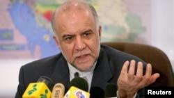 گزارشها حکایت از آن دارد که بیژن زنگنه، وزیر نفت، تصمیم به لغو برخی امتیازات نفت و گاز ایران به شرکای هندی گرفته است