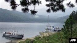 Экологи подсчитали, в случае аварии нефтепровода, в Байкал всего за 20 минут выльется около трех тысяч тонн нефти