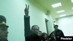 Նիկոլ Փաշինյանի դատավճռի հրապարակումը ընդհանուր իրավասության դատարանում, Երեւան, 19-ը հունվարի, 2010թ.