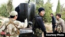Сирияда согушуп жүргөн Борбор Азиянын тургундары.