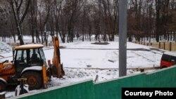 Роботи на місці, де буде споруджено пам'ятник Олені Телізі