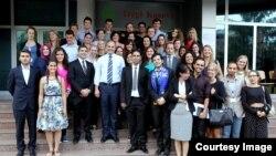 Ministri i Jashtëm i Kosovës, Enever Hoxhaj së bashku me studentët ndërkombëtar
