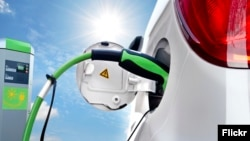 خودروی برقی میتواند از نیروی خورشیدی نیز استفاده کند
