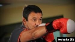 Боксшы Серік Қонақбаев. Мұрағаттан алынған.