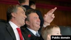 Судя по всему, сама игра доставила Виктору Ющенко и Виктору Януковичу немало положительных эмоций