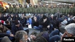 Противостояние сербов и сил НАТО близится к развязке