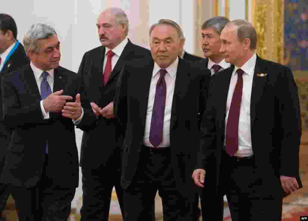 На полях заседания Высшего Евразийского экономического совета. Москва, 8 мая 2015 года.