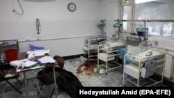 یکی از اتاق های شفاخانه زایشگاه دشت برچی پس از حمله مسلحانه.