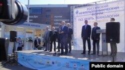Башкортстан башлыгы Рөстәм Хәмитов форумда катнашучыларны тәбрикли