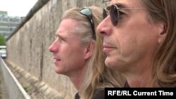 """Райк и Андреас Адамс. Кадр из фильма """"Поджигатели стены"""""""