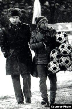 З футбольным «сьвяцілам» Леанідам Гараем