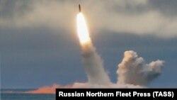 Пуск баллистической ракеты «Булава» с атомной подлодки «Юрий Долгорукий» в Баренцевом море, 24 августа 2019 г.
