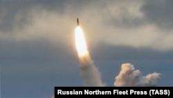 Пуск баллистической ракеты «Булава» с российской атомной подлодки «Юрий Долгорукий» в Баренцевом море, 24 августа 2019 года