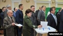 Питрәч районы шурасы депутатлары башлык өчен тавыш бирә