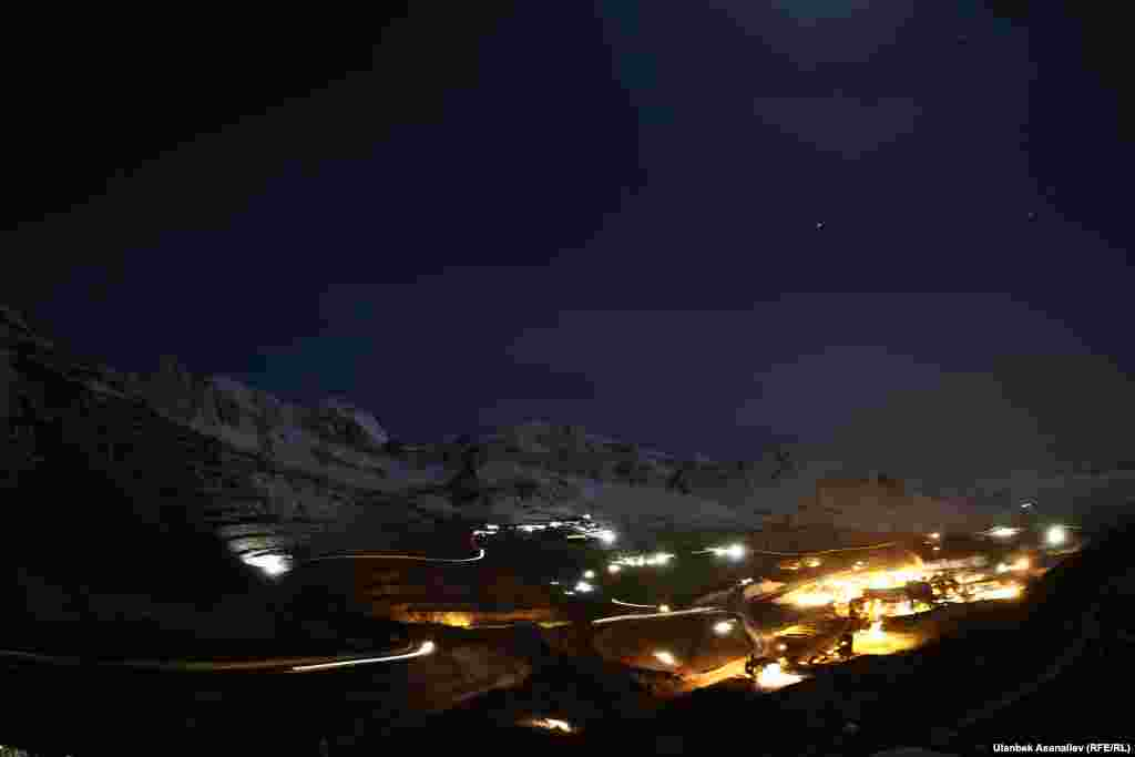 """WINNER: """"Competing with the Stars"""":The lights of a gold mine light up the night at an altitude of 4,200 meters in Kyrgyzstan. (Ulanbek Asanaliev, RFE/RL's Kyrgyz Service)"""