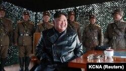 Според информациите на южнокорейските власти няма данни за подозрителни движения в КНДР, които биха били факт, ако лидерът Ким Чен-ун почине