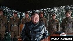 Решението да не се предприемат военни действия идва след среща между лидера на Северна Корея Ким Чен Ун и военното ръковоство на страната