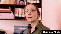 Британи -- Фуллер Элизабет, журналист, Кавказан проблемийн эксперт