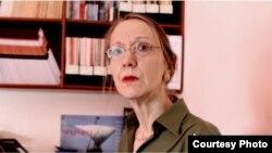 Фуллер Элизабет -- журналист, Къилбаседан Кавказан эксперт