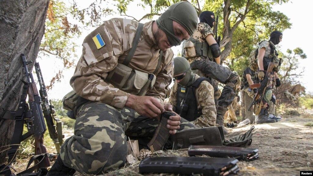 Украинские СМИ увидели под Мариуполем «российских морпехов»
