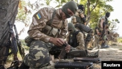 Украинские солдаты в Донбассе. 2016 год