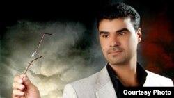 الشاعر الغنائي فاضل عباس