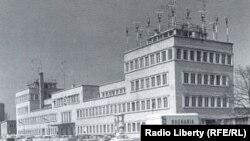 """""""რადიო განთავისუფლების"""" პირველი შტაბბინა მიუნხენის რაიონ ობერვიზეფელდში (1953 წელი)."""