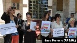 Sa protesta protiv prijedloga zakona, 14. maj 2013.