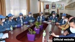 Узбекские медики с таджикскими коллегами в Душанбе.