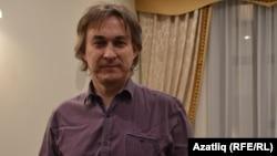 Илһам Вәлиев