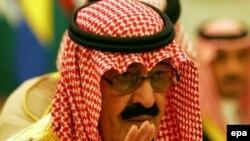 پادشاه عربستان به ایران هشدار داد که اگر این کشور مشکلات خود را در روابط بین الملل حل نکند می تواند تمامی منطقه را به خطر بیاندازد.