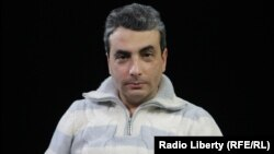 «Яблоко» партиясының Псков облыстық бөлімшесінің жеткішсі Лев Шлосберг.