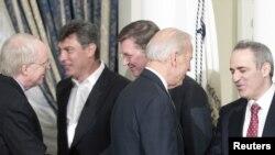 Джозеф Байден во время встречи с российскими оппозиционерами
