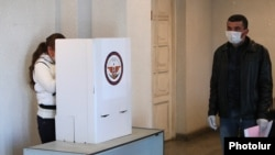 Nagorno-Karabakh -- A polling station in Stepanakert, March 31, 2020.