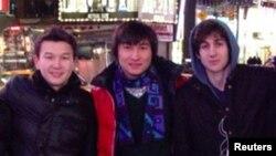 Солдан оңға: Азамат Тәжаяқов пен Диас Қадырбаев және Джохар Царнаевтардың Бостондағы жарылысқа дейін.