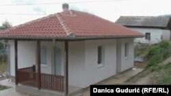 Nove kuće u selu Kukurovići, fotografije uz tekst Danica Gudurić