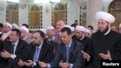 بشار اسد، رییس جمهوری سوریه در جریان مراسم عید فطر