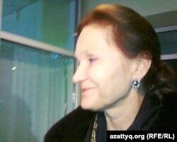 Паллада Тепсаева, адвокат осужденного бывшего топ-менеджера Мухтара Джакишева. Астана, 15 ноября 2011 года.